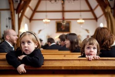 children_in_church_small_600_406